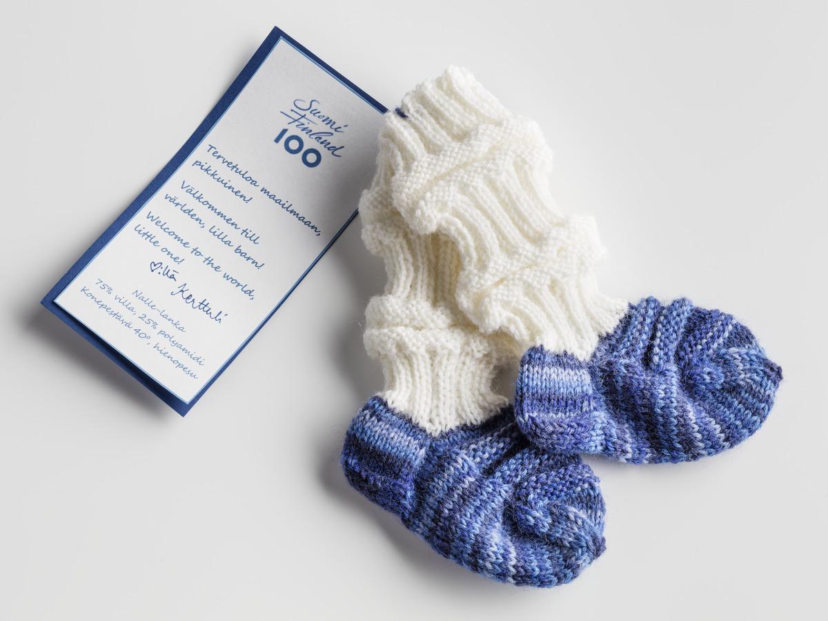 Vauvan sukat nalle lanka | Ohje: neulo vauvan ensimmäiset